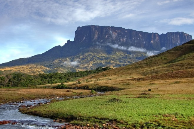 Brazil trip to Mount Roraima seen from Tek River