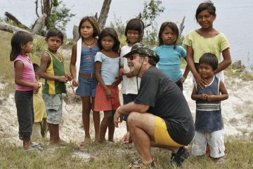 Having a chat with the indio village's children